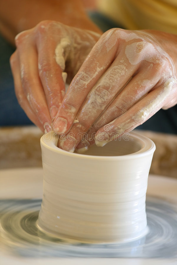 Free Hands Making Pottery Royalty Free Stock Images - 3354989