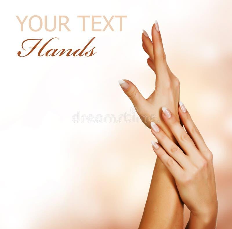 Hands.Manicure de la mujer foto de archivo libre de regalías