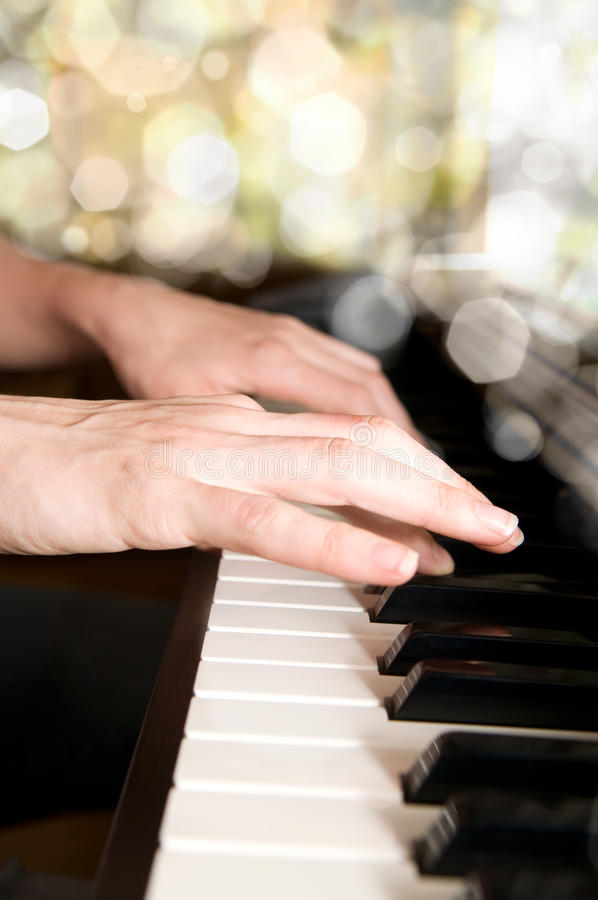 Free Hands Of A Piano Player Stock Photo - 10119240