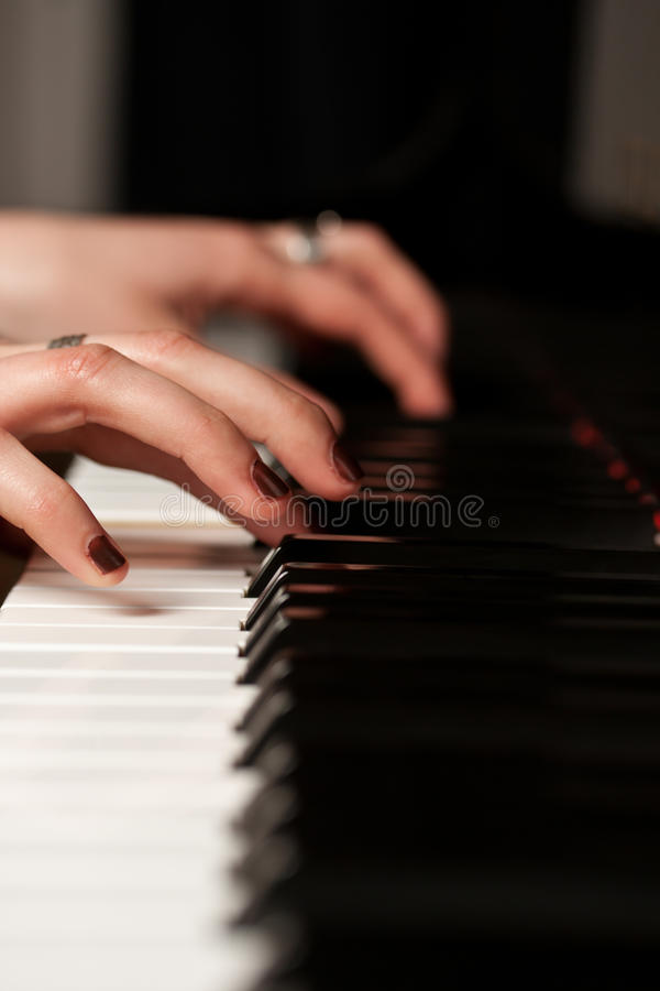 Free Hands Of A Piano Player Royalty Free Stock Photos - 19192608