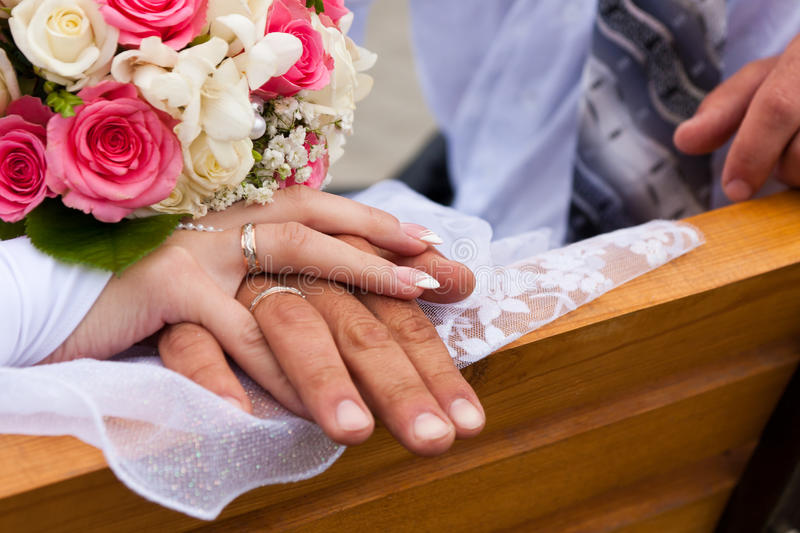 Download Hands And Rings With Wedding Bouquet Stock Images - Image: 20712244