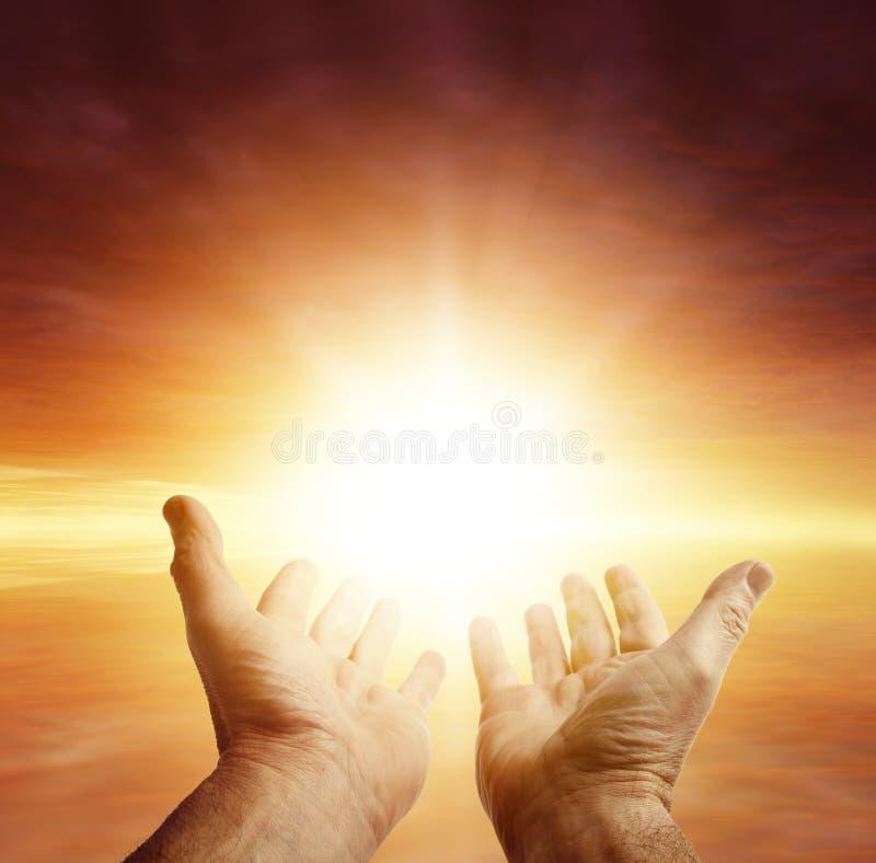 hands skyen arkivbild
