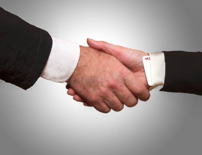 Handschok tussen een vrouw en een man royalty-vrije stock afbeelding