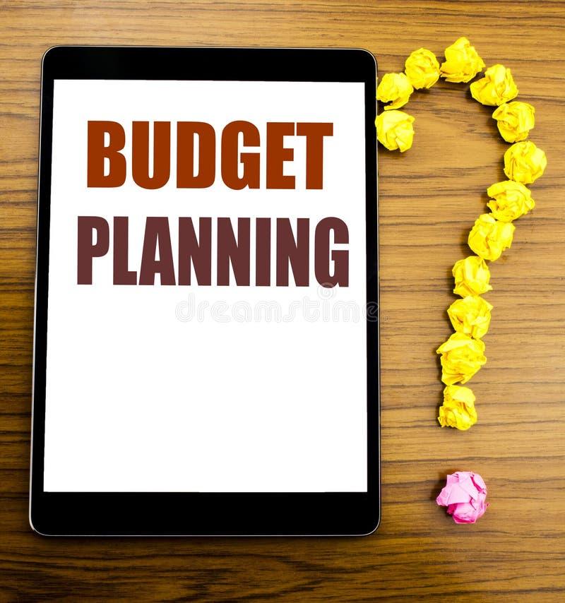 Handschrifts-Mitteilungstext, der Budget-Planung zeigt Geschäftskonzept für die Finanzhaushaltsplanung geschrieben auf Tablette m lizenzfreies stockbild