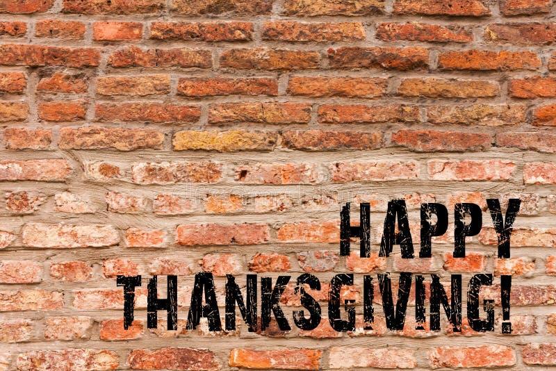 Handschriftstext, der glückliche Danksagung schreibt Konzept, das Glückwunschphrase Feiertags-Backsteinmauerkunst wie bedeutet lizenzfreies stockfoto