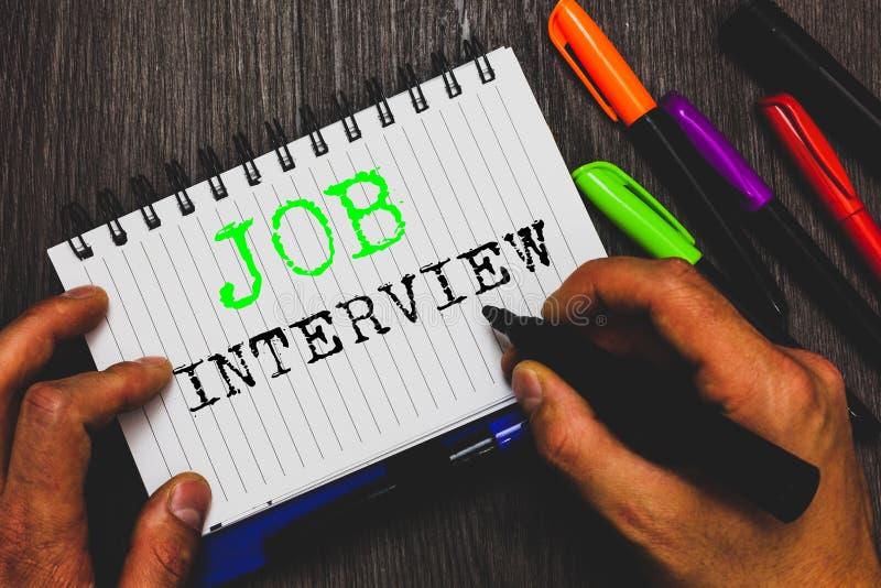 Handschriftstext, der Job Interview schreibt Konzeptbedeutung Einschätzung stellt die Antworten in Frage, die Beschäftigungs-Plat stockfotografie