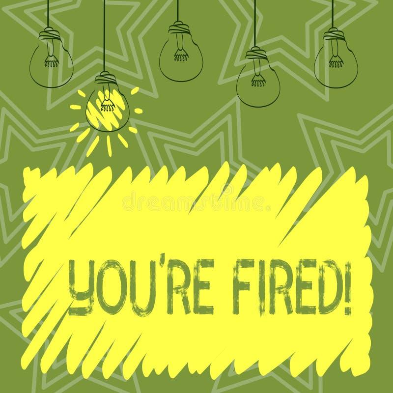 Handschriftstext, der Sie bezüglich abgefeuert schreibt Die Konzeptbedeutung, die durch Chef verwendet wird, zeigen Angestellten  stock abbildung