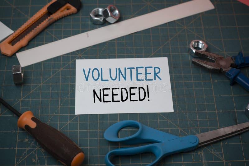 Handschriftstext Freiwilliger ben?tigt Konzeptbedeutung, die das Demonstrieren zur Arbeit um Organisation bittet, ohne gezahlt zu stockfoto