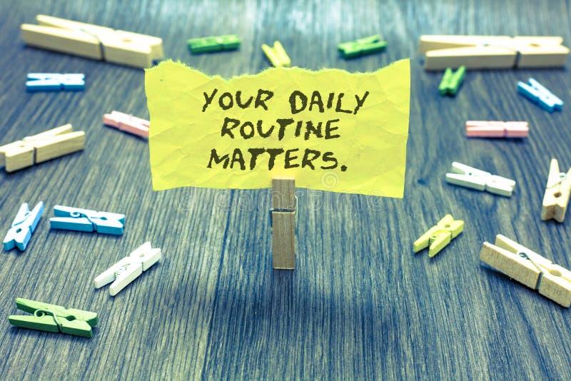 Handschriftstext Ihre täglichen Routineangelegenheiten Konzeptbedeutung haben die guten Gewohnheiten, zu leben eine gesunde Leben lizenzfreies stockbild