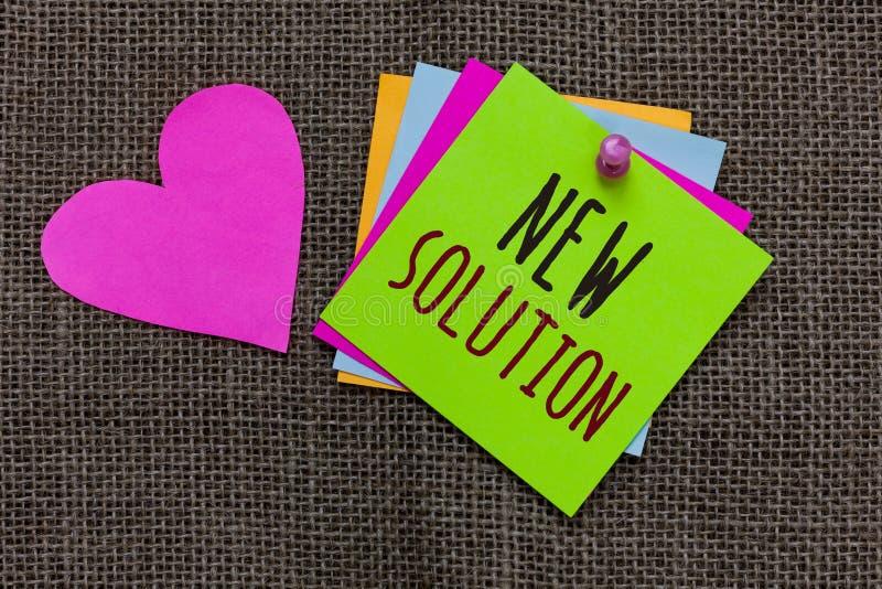 Handschriftstext neue Lösung Das Konzept, das moderne effektive Annäherung der Innovation spät zu einem Problem Papier bedeutet,  lizenzfreie stockfotografie