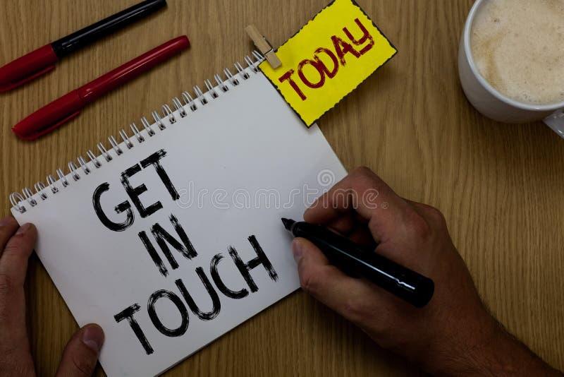 Handschriftstextschreiben kontaktieren Konzeptbedeutung bleiben Constant Communication Interaction Bonding Man in Kontakt, der Ke stockfotos
