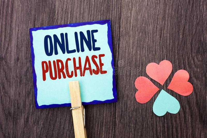 Handschrifttekst die Online Aankoop schrijven De conceptenbetekenis koopt dingen op het net gaat winkelend die zonder huis op Kle royalty-vrije stock foto's