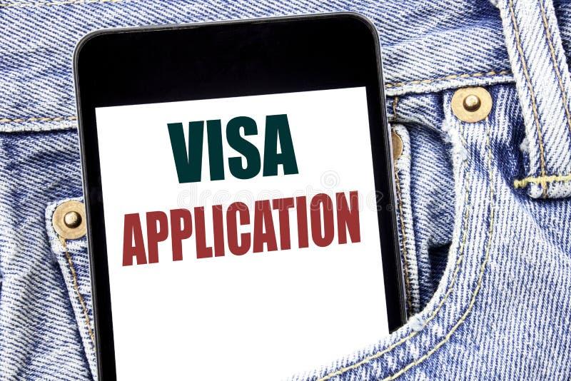 Handschrifttext-Titelinspiration, die Visumsantrag zeigt Geschäftskonzept für Pass Apply geschrieben auf Smartphone in das J stockfotografie