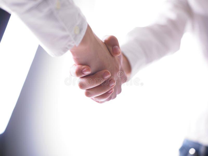 handshaking рукопожатия стоковое фото rf