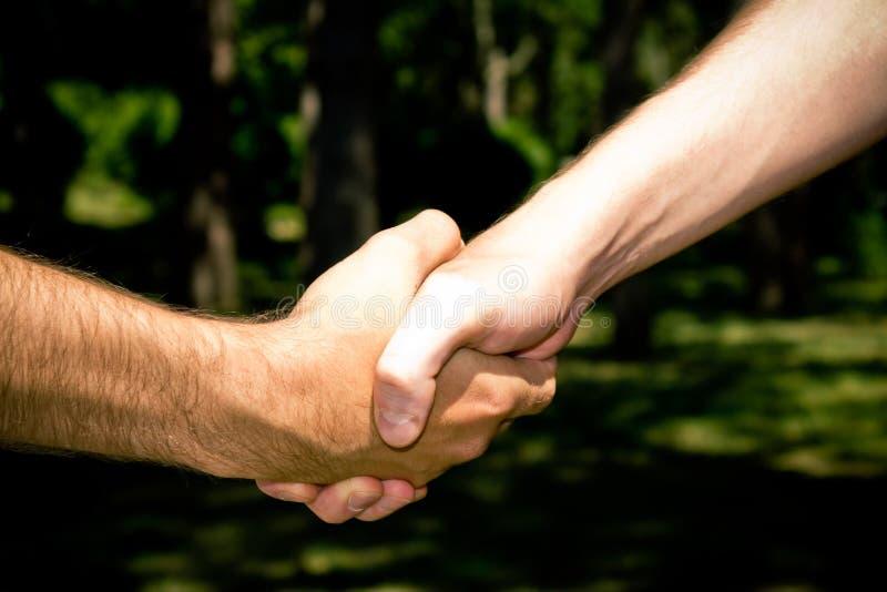 handshaking photos libres de droits