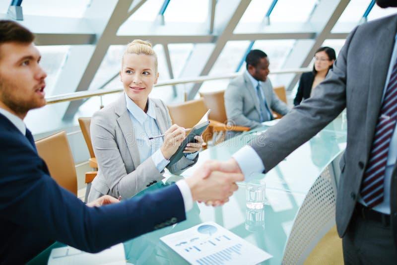 Handshaking partnery obraz royalty free