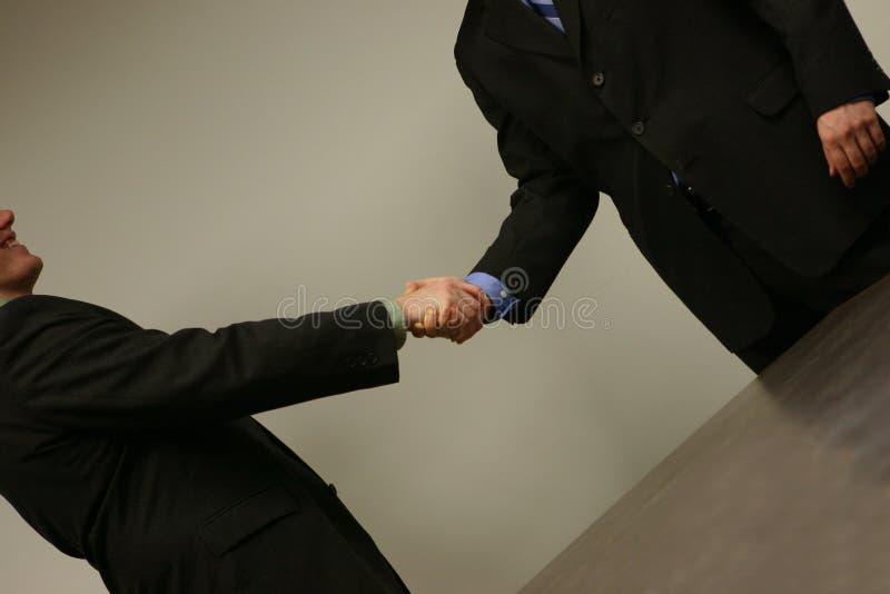 handskakning för 2 affär royaltyfria bilder