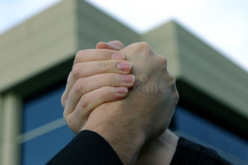 handskakning för 6 affär fotografering för bildbyråer
