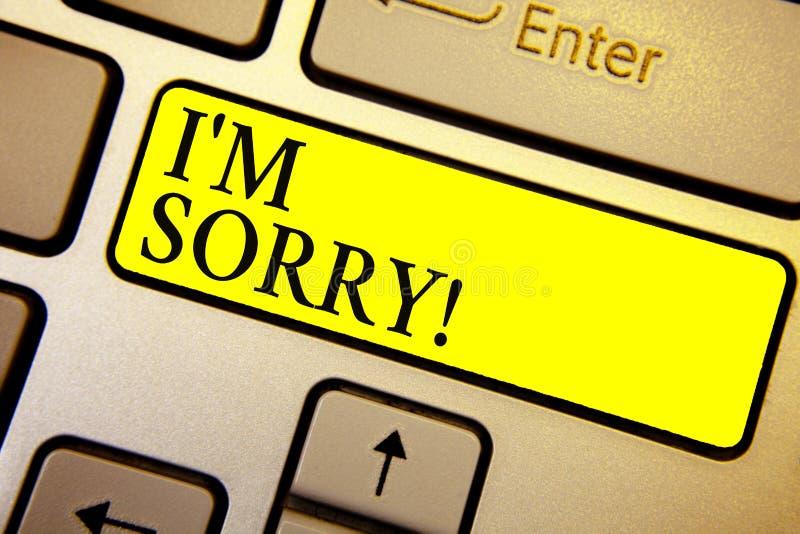 Handskrifttext är jag ledsen Begreppsbetydelsen som ska frågas för förlåtelse till någon gör ont du unintensionaly, tangentbordgu arkivbild