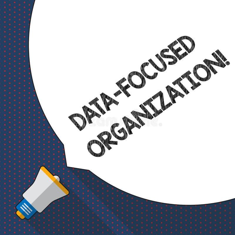 Handskrifttext som skriver data fokuserad organisation Begreppsbetydelsetillfångatagande och att förstärka värde av deras informa stock illustrationer