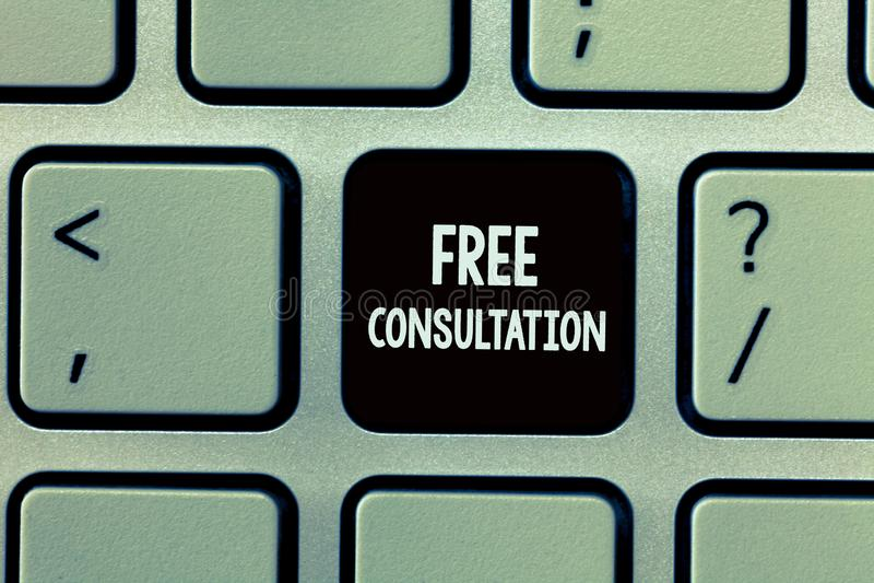 Handskrifttext som skriver fri konsultation Begreppsbetydelse som ger medicinska och lagliga diskussioner utan lön fotografering för bildbyråer