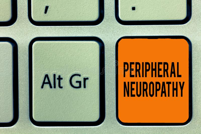 Handskrifttext som skriver perifer Neuropathy Begreppsbetydelsevillkor där den perifer nervsystemet skadas fotografering för bildbyråer