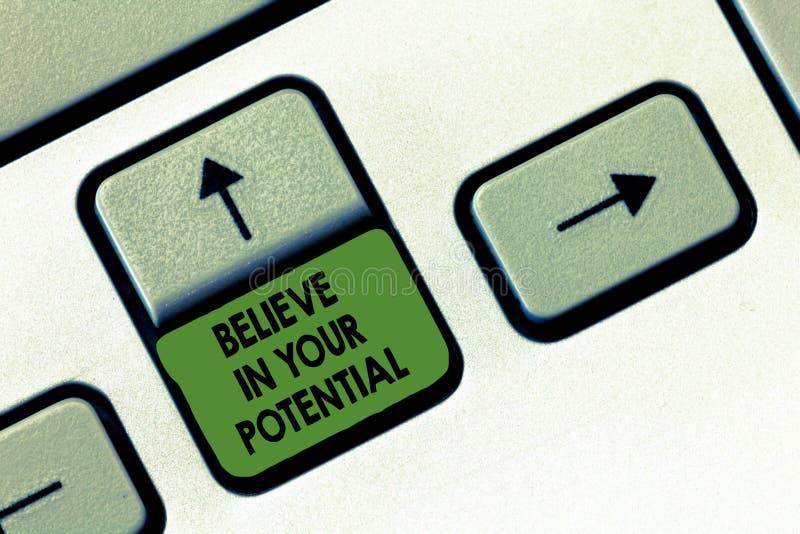 Handskrifttexthandstil tror i din spänning Begrepp som betyder tro i YourselfUnleash dina möjligheter arkivfoton