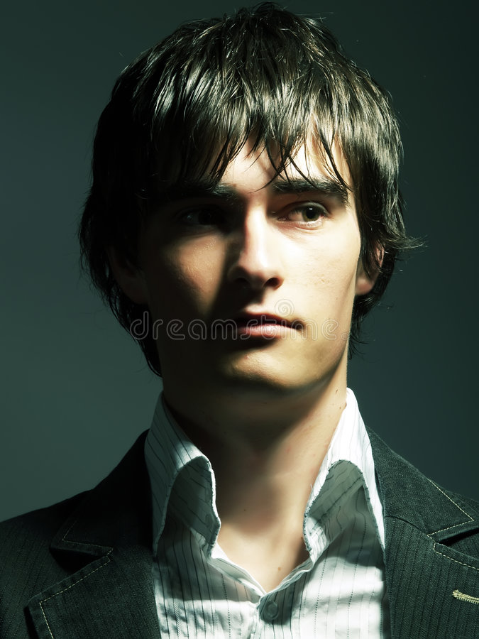 Free Handsome Guy S Dark Attraction Royalty Free Stock Photography - 5340137