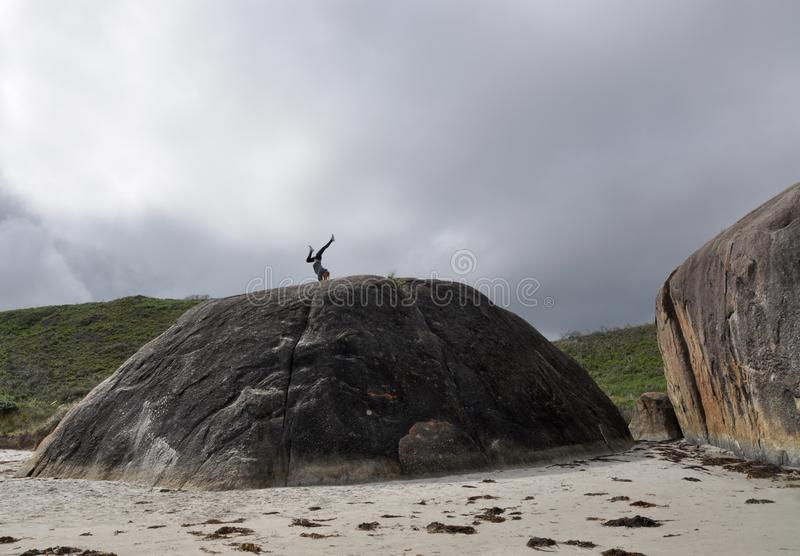 Handstand на бухте слона стоковое фото rf