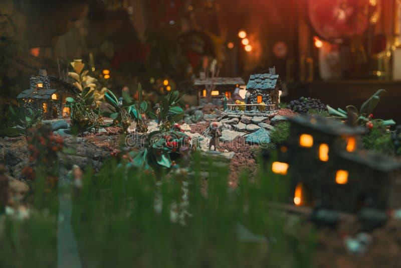 Handstitched Weihnachtsspielzeugkrippe stockfotografie
