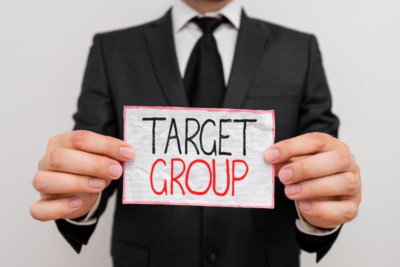 Handtekst doelgroep Concept betekent in het bijzonder aantonen dat een advertentie bedoeld is om stock fotografie