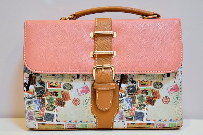 Handväskatappningstil arkivfoto