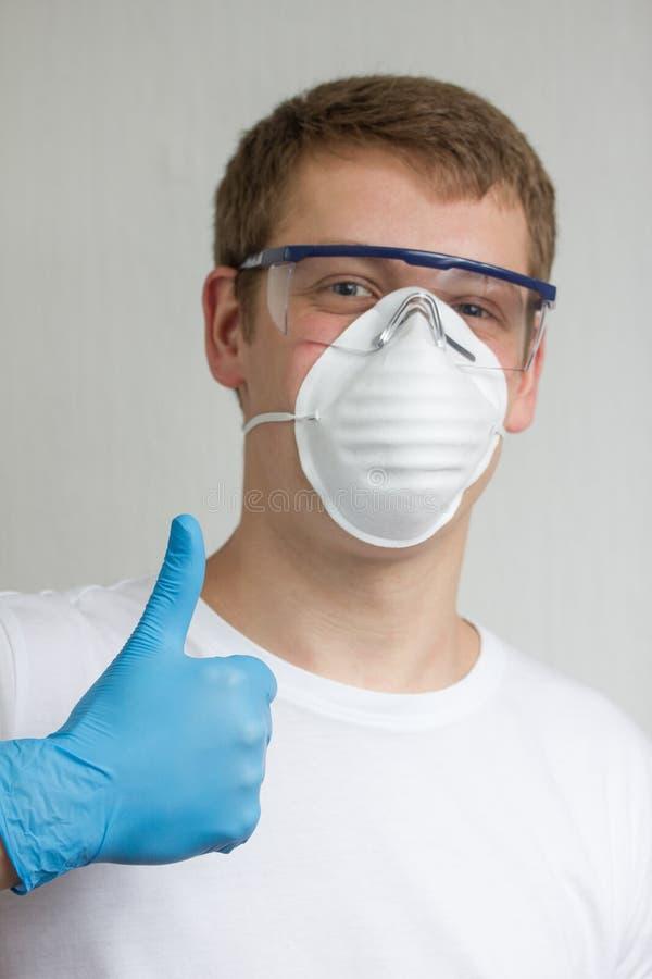 Handwerker mit Mundstück lizenzfreie stockfotografie