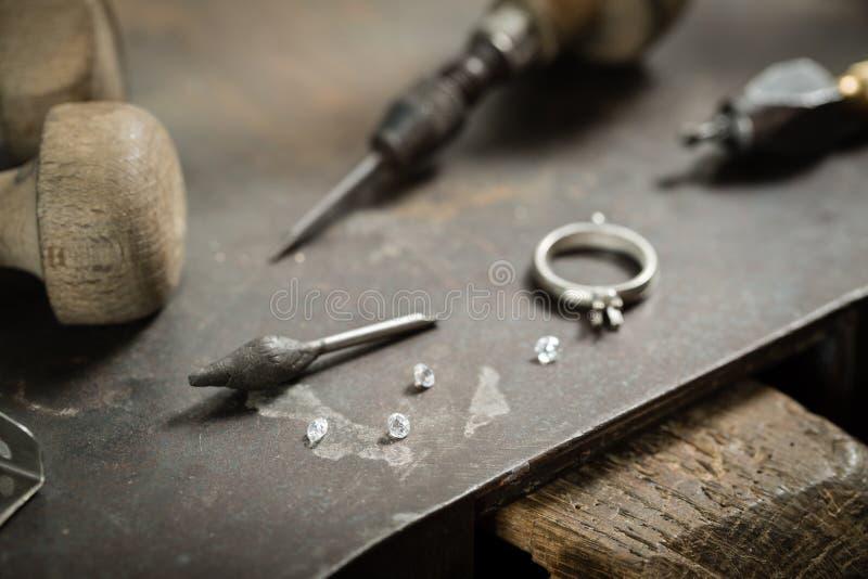 Handwerksschmuckherstellung stockfoto