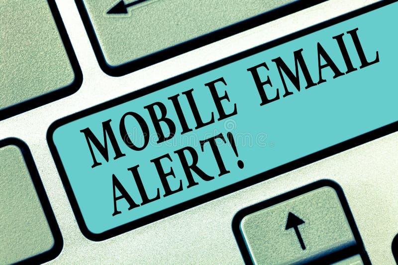 Handwriting tekst pisze Mobilnym emaila ostrzeżeniu Pojęcia znaczenia maszyna demonstrować komunikację która jest czasem royalty ilustracja