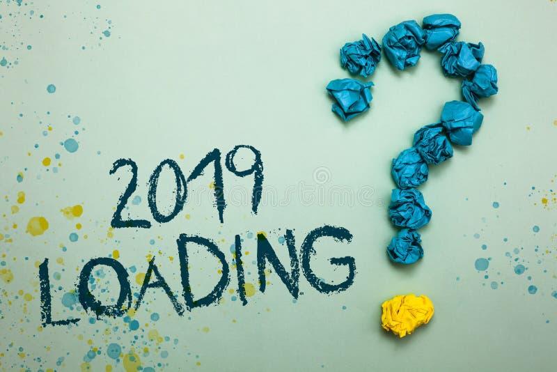 Handwriting teksta 2019 ładowanie Pojęcia znaczenie Reklamuje nadchodzącego rok Przewiduje przyszłościowego wydarzenie Miącego ta obrazy royalty free