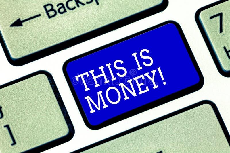 Handwriting teksta czas Jest pieniądze Pojęcie znaczy Lepiej robić rzeczom jak najszybciej no opóźnia Klawiaturowego klucza zdjęcie royalty free