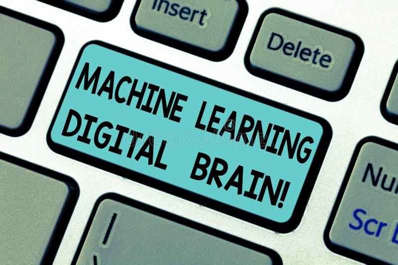 Handwriting teksta Maszynowego uczenie Digital mózg Pojęcie znaczy Sztucznej inteligencji Cyfrowego edukacji Klawiaturowego klucz obrazy stock