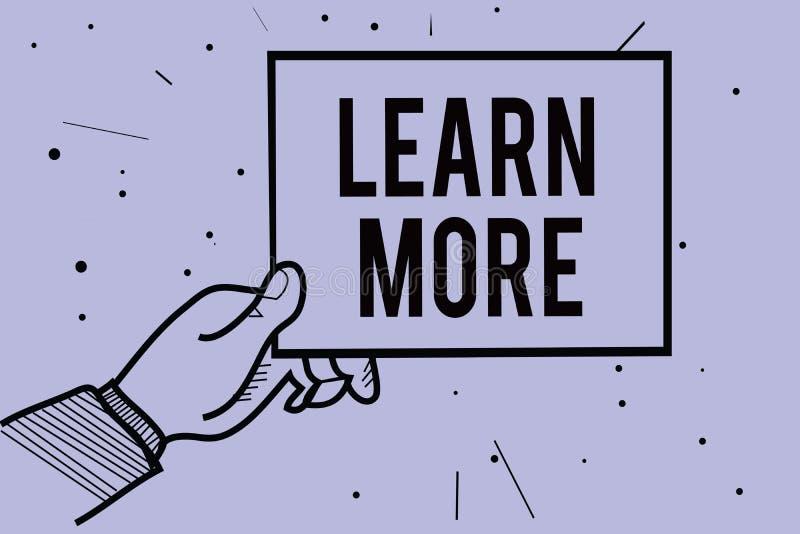 Handwriting teksta writing Uczy się Więcej Pojęcia znaczenie Pogłębia wiedzę rzecz ty trzyma pa chcesz robić lub nowa umiejętność royalty ilustracja