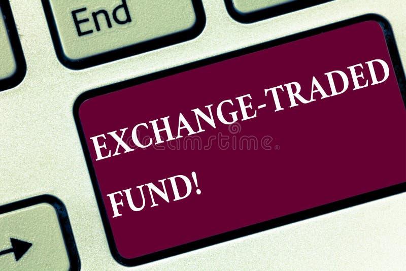 Handwriting teksta wymiana Handlujący fundusz Pojęcie znaczy Sprzedażną ochronę indeksu giełdowego Klawiaturowego klucza zamiar k obraz stock