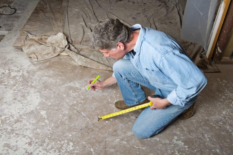 Handymanleverantör, man, byggnadsarbetare royaltyfri foto