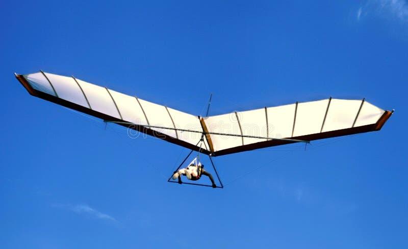 Hang Glider Soaring @ 11.000 ` boven Overzees - niveau royalty-vrije stock afbeeldingen