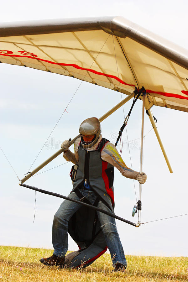 Download Hang Gliding In Monte Cucco Editorial Photography - Image: 18536102