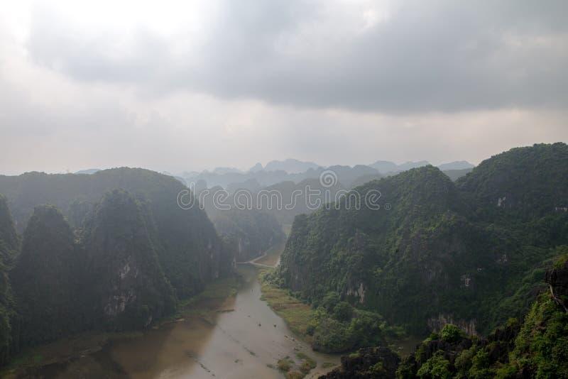 Hang Mua Temple Ninh Binh landskap, mummel Noi Vietnam Dec 2018 fotografering för bildbyråer