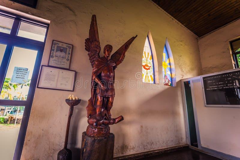 Hanga Roa, isla de pascua - 11 de julio de 2017: Iglesia del Ro de Hanga foto de archivo