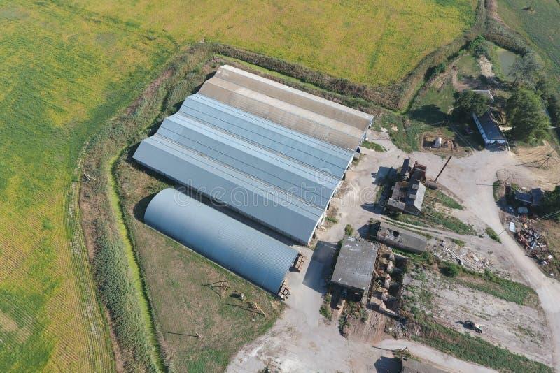 Hangar galwanizujący metali prześcieradła dla magazynu rolniczy pr obrazy royalty free