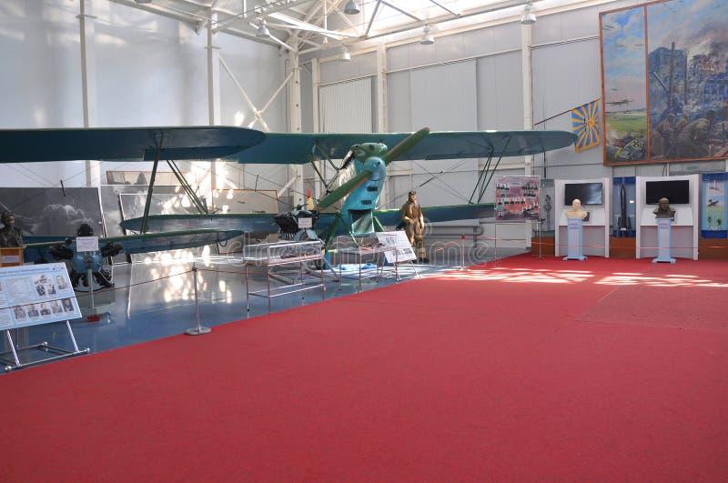 Hangar N 6A przy siły powietrzne muzeum w Monino, Rosja Wywiadowczy samolot P-5 obraz stock