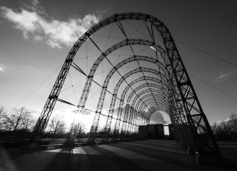 Hangar portátil del dirigible, empleado en 1912 el sitio original del campo de aviación de Farnborough, ahora parque empresarial  fotos de archivo libres de regalías