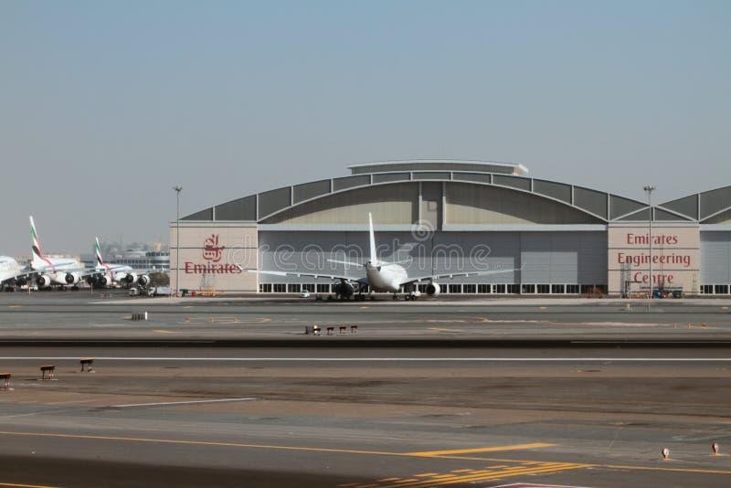 Hangar techniczny centrum emirat linia lotnicza przy lotniskiem Dubaj, UAE obrazy stock