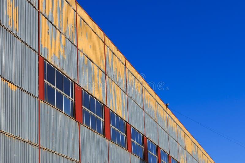 Hangaru typ budynek w perspektywie obrazy stock